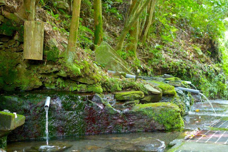 頭石湧水1